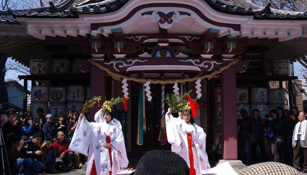 france-japon-Kanamara-Matsuri-fete-penis-Kanayama