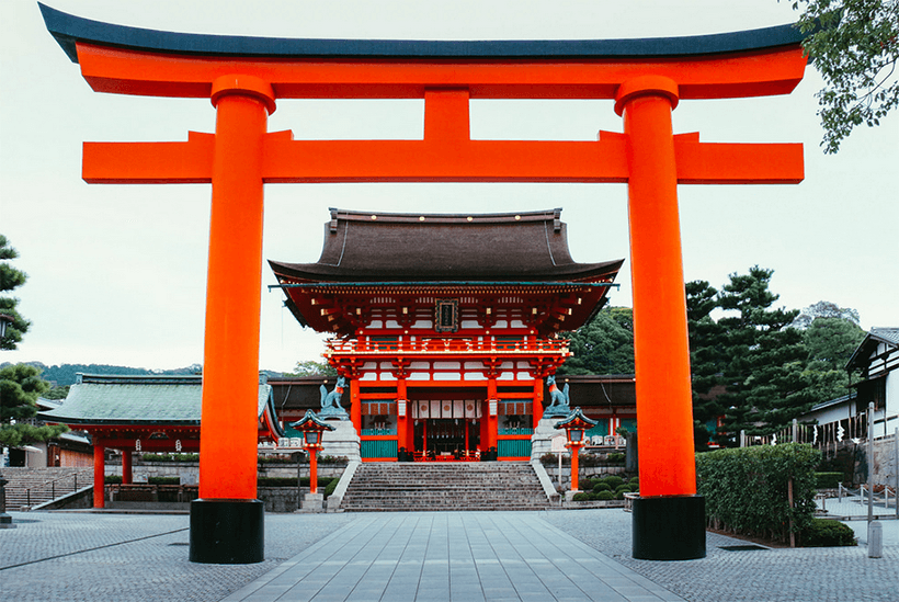 france japon visiter kyoto Fushimi Inari romon gate